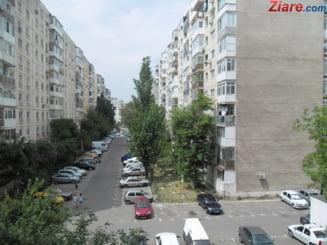Locatarii din blocurile cu risc sesimic I vor putea fi evacuati fortat - proiect