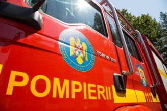 Locomotiva unui tren de marfă a luat foc la Valea Călugărească. Vagoanele sunt încărcate cu pirită