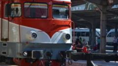 Locomotiva unui tren privat a luat foc in Sinaia. Garnitura circula pe una dintre cele mai aglomerate rute