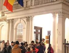 London Evening Standard: Sute de romani lasati pe afara. Li s-a refuzat dreptul la vot