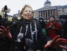 Londra: Opozantii lui Thatcher petrec pe strazi, autoritatile pregatesc inmormantarea
