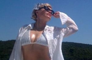Loredana Groza pozeaza sexy la 40 de ani