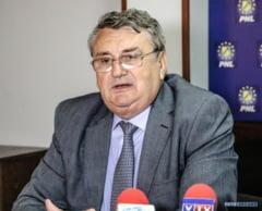 """Lucian Iliescu: """"Floricel este intr-o situatie pozitiva fata de Barbu si Vladu"""""""