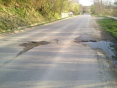 Lucrari blocate pe drumul judetean din Barnova