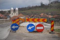 Lucrarile la DN 76 Oradea-Deva nu vor fi reluate prea curand - Ramanem cu drumul oaselor