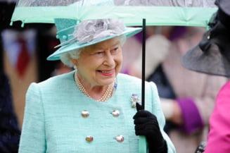 Lucratori sanitari, sportivi si actori, pe lista personalitatilor decorate de regina Elizabeth II cu ocazia zilei sale de nastere