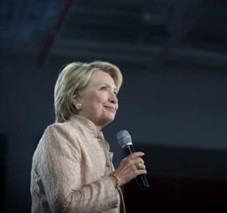 Lui Hillary Clinton i s-a facut rau la ceremonia de comemorare a victimelor atentatelor din 11 septembrie 2001
