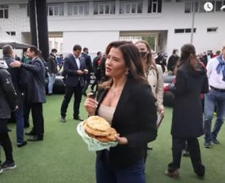 Luis Figo, dat pe spate de o moldoveancă sexy care i-a oferit plăcinte VIDEO