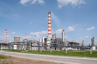 Lukoil opreste productia la rafinaria din Ploiesti - surse
