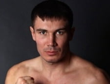 Lumea boxului, in stare de soc: Un pugilist a murit dupa ce-a fost batut mar in ring (Video)