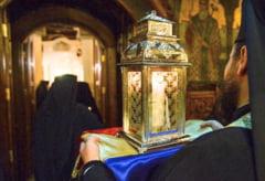 Lumina Sfanta de la Ierusalim a ajuns in Romania