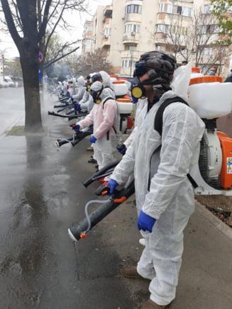 Lupta cu COVID in fiecare sector din Bucuresti: Unii primari ne-au oxigenat cu elicopterul, altii refuza sa spuna cu ce substante au pulverizat pe strazi