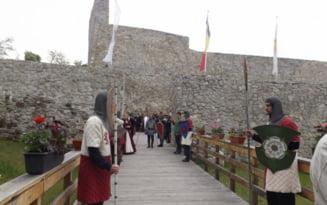 Lupte, jonglerii cu foc, pasari de prada in Cetatea Medievala a Severinului