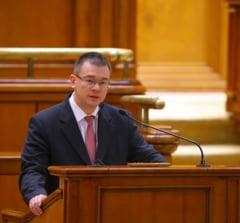 """M.R. Ungureanu, despre problemele economiei si desecretizarea dosarului """"Dunarea Operativ""""- Interviu"""
