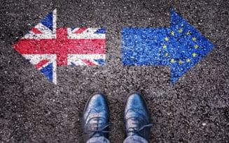 MAE: De la 1 octombrie, cetatenii romani nerezidenti pot intra in Marea Britanie exclusiv pe baza pasaportului