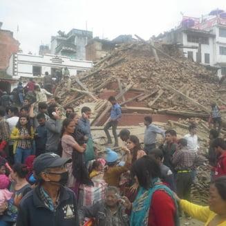 MAE: Toti romanii din Nepal au scapat cu bine de cutremur