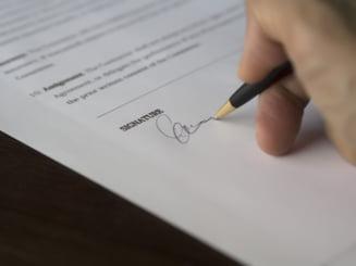 MAI modifica actele de stare civila: Schimbari importante pentru certificatele de casatorie si cate nume poti sa pui unui copil