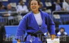 MOZAIC STIRI SPORTIVE: Andreea Chitu, aur in Coreea