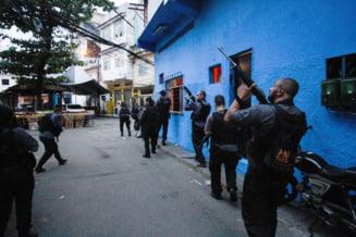 Macel in Rio de Janeiro in timpul unei operatiuni anti-drog. 28 de oameni au sfarsit ucisi, in scene teribile descrise de martori
