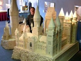 Macheta a scolii lui Harry Potter, din chibrituri