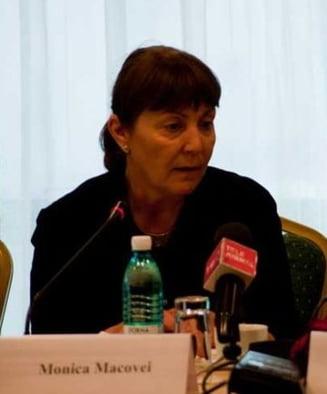 Macovei: Trebuie sa oprim guvernarea Nastase-Voiculescu