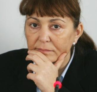 Macovei, despre Ponta si ministrii incompatibili: Cine se aseamana se aduna