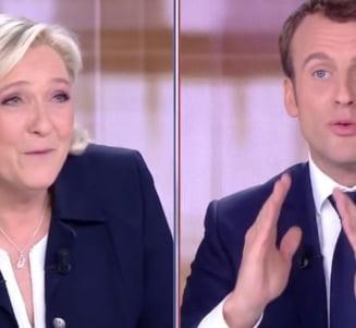 Macron, in dezbaterea finala: Francezii au dreptul sa nu fie luati drept imbecili. Le Pen ar cauza un razboi civil