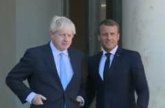 Macron a vorbit cu Johnson si nu vrea amanarea Brexitului: Parlamentul sa aprobe sau sa respinga acordul