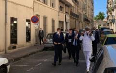 Macron anunta o suplimentare a trupelor cu zece politisti, intr-o vizita-surpriza la Toulon, in urma a doua reglari de conturi sangeroase