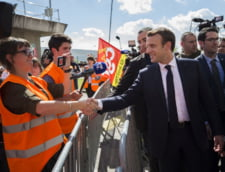 Macron are sanse mari sa fie primul castigator al unui razboi digital cu Vladimir Putin