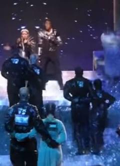Madonna a facut un apel la unitatea israelo-palestiniana pe scena Eurovision, la Tel-Aviv (Video)