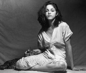 Madonna voia sa devina maicuta - a stat o vreme la manastire