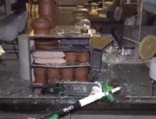 Magazine si masini de politie, vandalizate in Germania (VIDEO)
