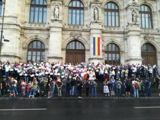 Magistrati din toata tara au protestat in fata Curtii de Apel Bucuresti: Vrem ministru pro-Justitie (Foto & Video)
