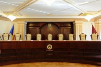 Magistratii solicita liderilor politici, institutiilor si presei sa nu puna presiune asupra CCR