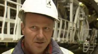 Mai bine exilul, dacat Romania - reportaj francez despre muncitorii romani (Video)