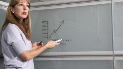 Mai mult de 30% dintre profesori nu au luat examenul pentru definitivare in invatamant. Opt au fost eliminati pentru tentativa de frauda