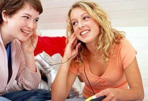 Mai mult de o ora pe zi de ascultat muzica duce la migrene