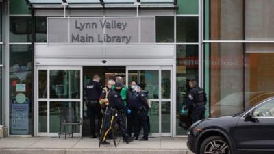 Mai multe persoane injunghiate pe strada, in orasul canadian Vancouver. Atacul a avut loc langa o biblioteca