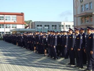 Mai multi absolventi ai scolilor de agenti de politie din Campina si Slatina, confirmati cu coronavirus. Cum vor sustine examenul final