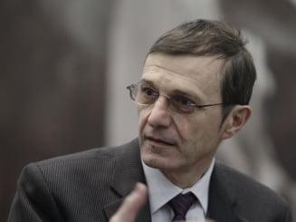 Mai multi intelectuali romani, intre care si rectorul UBB, semneaza o scrisoare deschisa pentru a convinge ca in Romania nu are loc o lovitura de stat