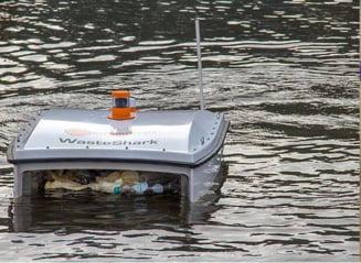 MaiMultVerde a lansat la apa Waste Shark - drona care colecteaza deseurile din plastic (Video)