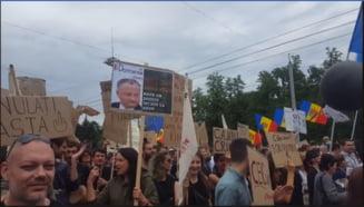 Maia Sandu si Andrei Nastase au transmis Consiliului Europei rezolutia adoptata la protestul de la Chisinau