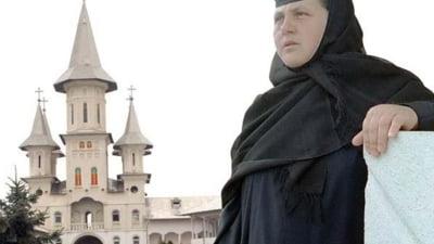 """Maica Mina, stareta unei manastiri din Oradea, condamnata pentru ca a """"spalat"""" aproape 1 milion de lei printr-un cont al lacasului de cult"""