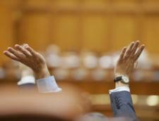 Majorarile salariale in Sanatate si Educatie ar putea fi adoptate cu incalcarea Constitutiei: Cine are curaj sa sesizeze CCR?