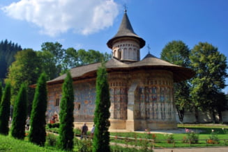Majoritatea romanilor doreste predarea religiei in scoli - Sondaj Inscop
