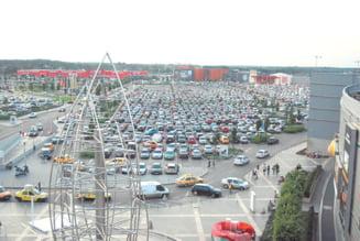 Mall-urile construiesc parcari, Primaria doar face planuri