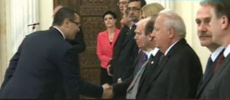 Mama lui Ponta, catre fiul sau, proaspat premier: Stai bine pe picioarele tale!