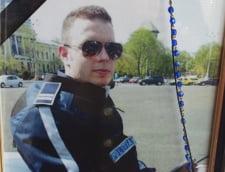 """Mama politistului Bogdan Gigina: Privesc stupefiata cum cel din ordinul caruia a murit copilul meu foloseste sloganul """"Demnitate pentru Romania"""""""