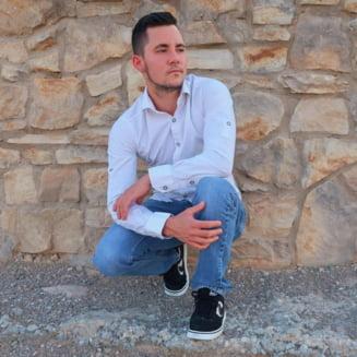 Mama romanului ranit in atacul din Las Vegas: Glontul a trecut prin ambii plamani, e conectat la aparatul de respirat